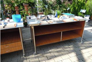 Gastronomie Tisch für Grillevents mit Ablagen