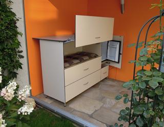 Wintergartenschrank mit Minibar