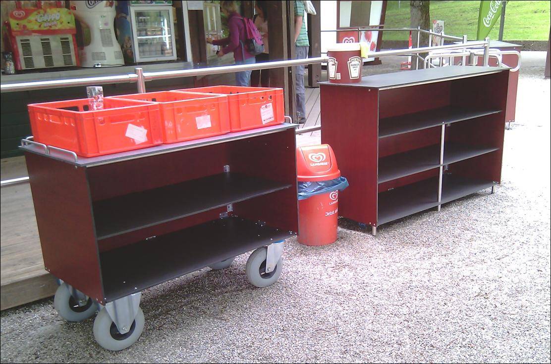 Servierwagen Und Ruckgabestation Im Wirtshaus Zum Rosengarten Rege