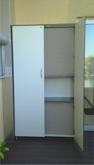 Kissenschrank 2-türig auf Dachterrasse