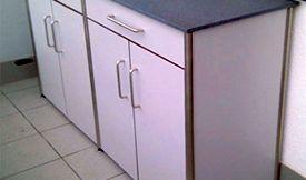 Sideboard witterungsbeständig mit Schubladen und Türen – Rohrversion