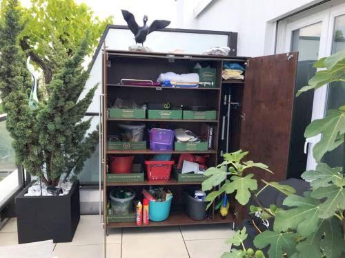 Schrank für Dachterrasse in München mit individueller Ausstattung